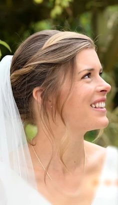 boho bridal hair   GALLERY Hair And Makeup Artist, Hair Makeup, Bride Hairstyles With Veil, Boho Bridal Hair, Special Occasion Hairstyles, Body M, Wedding Looks, Gallery, Hair Styles