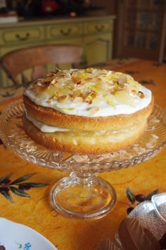 A Clandestine Cake Club meeting in SW France & CAKE for an Easter Weekend! - Lavender and Lovage FRESH LEMON AND ALMOND CAKE WITH LEMON CURD