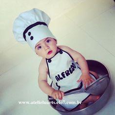 Fantasia para bebê de mini chef <br>Avental e chapéu confeccionado em tecido oxford