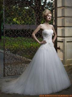 Robe de mariée A-ligne princesse bustier ornée des broderiee avec traîne en tulle
