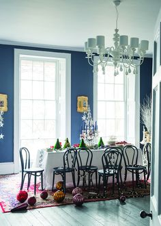 Stiffkey Blue by Farrow & Ball - dining room color Dining Room Blue, Dining Room Chairs, Dining Table, Cozy Bedroom, Home Decor Bedroom, Stifkey Blue, Kitchen Cabinet Interior, Kitchen Cabinets, Farrow Ball
