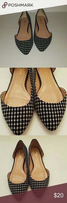 Sole Society flats Sole Society flats  Size 9B /39 Black/ white  Good condition  Some scuff marks on soles but plenty of miles left Sole Society Shoes Flats & Loafers