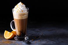 Frappe, Coffee Recipes, Latte, Pint Glass, Granola, Food Porn, Pudding, Beer, Tableware