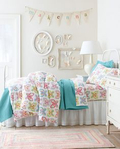 Butterflies Bedroom Collection by Garnet Hill like the wall art, good idea for my spare frames, spray em and do some cutting Butterfly Bedroom, Butterfly Wall Decor, Dream Bedroom, Girls Bedroom, Bedrooms, Teintes Pastel, Little Girl Rooms, Decoration, Kids Room