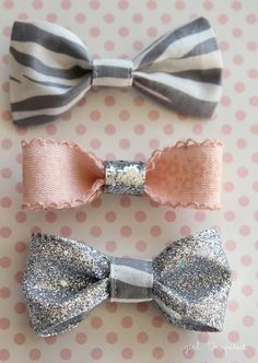 Your little one will love these sparkly DIY glitter hair bows -- perfect for back to school!