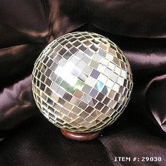 """www.hindicraft.com  offer top quality Hanging Mosaic Ball that look great, 100% handcrafted, and available in 4"""",6""""  & 8"""" with brilliant corrosion resistant finish."""