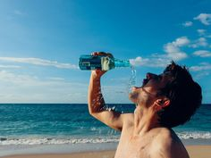 10 Signs of Dehydration to Look out For - Migraine Again Orange Juice Smoothie, Film Gif, Signs Of Dehydration, Water Facts, Importance Of Water, Camping Near Me, When You Sleep, Home Workouts, Early Childhood Education