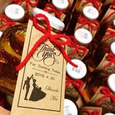 結婚式のサンクスギフト♡コストコに在庫問い合わせ何度したことか、、結局ネットで購入♡  #卒花#marry本ペーパーアイテム#marry本 #marry本に載りたいです#DIY#サンクスギフト#コストコジュース#マルティネリ#空き瓶は花瓶に#タグ手作り#名刺サイズ#赤い糸#ウェディング関連の記事大好き#ハトメは見兼ねた旦那がしてくれました#ハトメなめてた#ウェディンググッズ#ウェディング#結婚式#もずめ#物集女の自己満#もずめの展示会