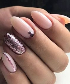 Trendy Glitter Nail Art Designs to Look Beautiful - #nails #nail #art #artnails #nailsart