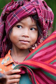 Kalaw to Inle Lake by ignacio izquierdo, via Flickr Tribu Pao #Birmania