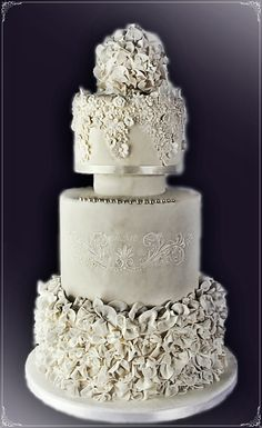 My Serendipity... in white! <3 WEDDING CAKE