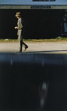 (Don Draper before himself) by Saul Leiter (from Le Journal de la Photographie)