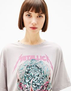"T-shirt ""Metallica"" - T-shirts - Bershka Portugal New Look Fashion, Dark Fashion, Women's Fashion, T Shirt Metallica, Going Out Crop Tops, Band Tee Outfits, Unique Outfits, Shirts For Girls, Women Wear"