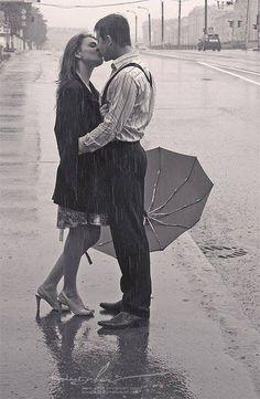 Kiss me in the rain <3