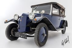 PHOTOSTUDIO STUDIO TIEFGARAGE im Oldtimermuseum Wiener Neustadt. www.fotobaldauf.at Limited Edition Print studio@fotobaldauf.at  Austro TATRA Baujahr 1925  #tatra #oldtimer #classiccar #classiccars #car #limitededitionprint #getoutanddrive #vintage #vintagecar #instacar #retrocar #carphotography #Carphotoshooting #oldcar #carspotting #oldcars #oldschool #vintagecars #auto #classic #franzbaldauf #fotokunstbaldauf #wiener_neustadt #photoart #artphotography #hasselblad  #hahnemühle #color Oldschool, Antique Cars, Studio, Antiques, Vehicles, Vintage, Autos, Underground Garage, Photo Shoot
