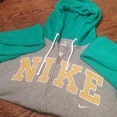 Nike Hoodie, size medium Super cute, like new Nike hoodie. Only worn once. Size medium Nike Tops Sweatshirts & Hoodies