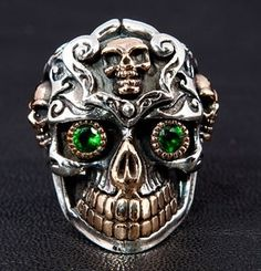 Mexican Sugar Skull Sterling Silver Ring. With golden 3 small skull decorated and gold teeth.