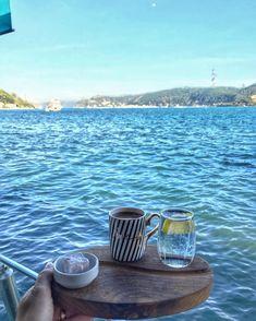 Bu hava kaçmazdı 😻 #coffee #aniyakala #mutlulukpaylasilir #turkish_coffee #coffelove #coffemood  #coffetime #sunum #followforfollow… Instagram