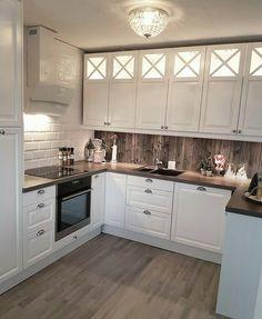 on Insta Web Viewer Kitchen Cabinets Decor, Kitchen Room Design, Kitchen Cabinet Design, Living Room Kitchen, Home Decor Kitchen, Kitchen Interior, Küchen Design, Home Design, Inspire Me Home Decor