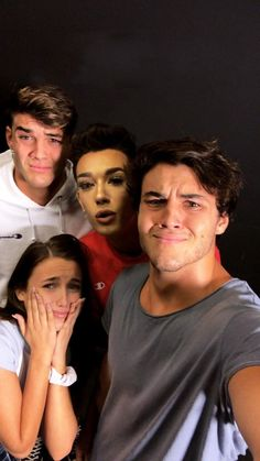Dollan Twins, Cute Twins, Best Friend Pictures, Friend Photos, Dolan Twins Wallpaper, Ethan And Grayson Dolan, Ethan Dolan, Squad Pictures, Vlog Squad