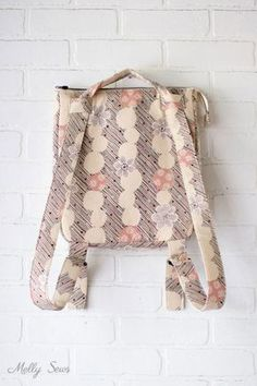 Convert to backpack - Sew the perfect travel bag - converts from a messenger bag to a backpack - Melly Sews