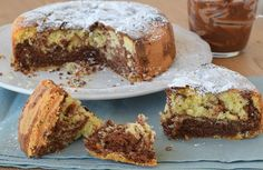 Μια πανεύκολη και γρήγορη συνταγή για ένα απαλό, νόστιμο σπογγώδες κέικ, ιδανικό για πρωινό και απογευματινό σνακ. Η ζύμη δεν περιέχει βούτυρο αλλά με τη π
