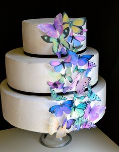 Wedding Cake Topper The Original Edible Butterflies Assorted Purple And Green Set Of 30 Cake Cupcake Toppers Food Accessories - Hochzeit Purple Wedding Cakes, Cool Wedding Cakes, Wedding Cake Toppers, Cupcake Toppers, Wedding Decor, Wedding Blog, Wedding Stuff, Purple Butterfly Cake, Butterfly Cakes