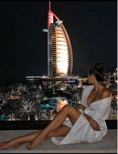 Luxury travel, dubai travel, travel photography, sunset photography, girl p Luxury Lifestyle Fashion, Rich Lifestyle, Dubai Travel, Luxury Travel, Luxury Girl, Billionaire Lifestyle, Minimalist Poster, Rich Girl, Photo Instagram