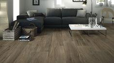 Sötét színű fahatású padlólap nappaliban