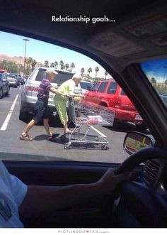The Funny Beaver Random Daily Funny Pictures - August 2014 (Relationship Humor) Couples Âgés, Vieux Couples, Cute Couples Goals, Couple Goals, Elderly Couples, Cute Old Couples, Couples Humor, Baseball Couples, Cutest Couples
