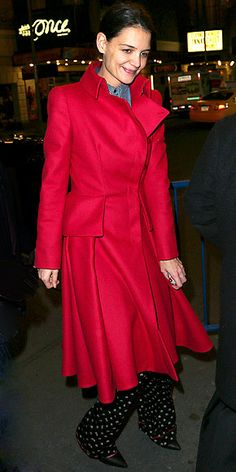 Love this rich ruby coat on Katie Holmes! http://www.peoplestylewatch.com/people/stylewatch/gallery/0,,20641298,00.html#