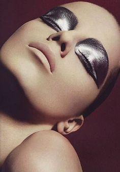 Incredible silver chrome metallic eye makeup