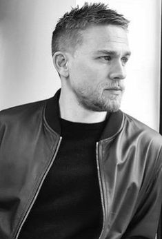 home Charlie Hunnam. Good Lord YES! Quick Hairstyles, Everyday Hairstyles, Men Hairstyle Short, Short Hair Cuts, Short Hair Styles, High And Tight Haircut, Hair Men Style, Michelle Williams, Lord