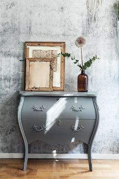 Rococo bureau © Anna Malmberg