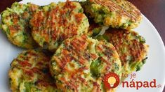 Baked Cheese & Broccoli Patties INGREDIENTS: v 2 teaspoons stemlike oil v 2 cloves seasoning - minced v onion - chopped. Low Carb Recipes, Cooking Recipes, Healthy Recipes, Clean Recipes, Vegetable Dishes, Vegetable Recipes, Broccoli Patties, Cheese Patties, Baked Cheese