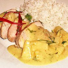 Peito de frango com abacaxi e leite de coco