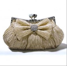Graceful Bowknot Rhinestone Pleat Design Party Bag    $51.09