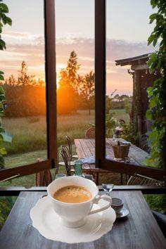 Good Morning Coffee, Coffee Love, Good Morning Images, Coffee Maker, Tea Cups, Chocolate, Tableware, Beverage, Sunrise