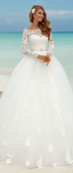 Fabulous Lace Bateau Neckline Ball Gown Wedding Dresses With Appliques. At a wedding you can certainly not miss a glittering dress! The post Fabulous Lace Bateau Neckline Ball Gown Wedding Dresses With Appliques. On a t & appeared first on Wedding. Sweetheart Wedding Dress, Princess Wedding Dresses, Best Wedding Dresses, Bridal Dresses, Wedding Gowns, Wedding Lace, Trendy Wedding, Mermaid Wedding, Lace Mermaid