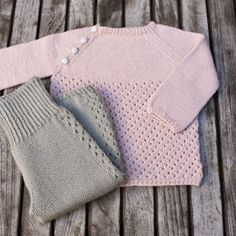"Nye Strikkerier Til 2015 - "" Helt Klein"", Ny ""Yndlings Cardigan"" Og "" En Stribet Lama "" Knitting For Kids, Baby Knitting Patterns, Baby Sweaters, Girls Sweaters, Baby Barn, Baby F, Knitted Baby Clothes, Baby Costumes, Knit Fashion"