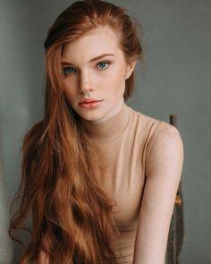 Rosa lisa redhead