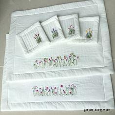 오늘은 야생화자수 티매트를 만들어 보아요 ````~ 야생화자수로 복잡한 마음이 치유되고 평온을 찾을수 있... Embroidery Neck Designs, Hand Embroidery Videos, Hand Embroidery Stitches, Handkerchief Embroidery, Tea Coaster, Brazilian Embroidery, Mug Rugs, Hot Pads, Elsa