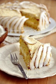 Today March 13 is Coconut Torte day! How are you going to celebrate? Dessert Recipes, Desserts, Cake Recipes, Dinner Menu, Fondant Cakes, Lunches And Dinners, No Bake Cake, Great Recipes, Sweet Tooth