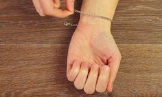 Je hoeft nooit meerom hulp te vragen! Vind jij het omdoen van een armbandje ook altijd zo lastig en draag jij ze daarom bijna...