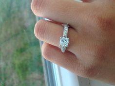Engagement ring, cushion cut