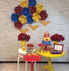 """3,841 curtidas, 66 comentários - Re Pretti (@loucaporfestas) no Instagram: """"Que lindo para Mulher Maravilha by @mamadecorabh ! #loucaporfestas #party #decor #decoration…"""""""