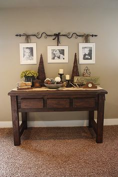 "COUNTRY GIRL HOME: my new ""hand crafted"" sofa table. Check out curtain rod for hanging pictures. Country Girl Home, Country Decor, Country Style, Modern Country, Country Homes, Country Living, Decor Room, Diy Home Decor, Bedroom Decor"