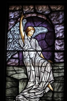 Stained glass angel. #vitraux