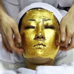 24 Karat Gold Facial Treatment - Restore your skin with the ultimate skin rejuvenating treatment, 24 Karat Gold. UMO, a Japanese beauty company, has introduced the gold facial as a. Caviar, Gold Facial Kit, Gold Face Mask, Facial Treatment, Spa Treatments, Facial Masks, Spa Facial, Natural Facial, Natural Skin