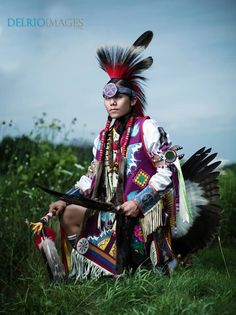 Saginaw Chippewa Native American Artwork, Native American Men, Native American Regalia, American Indian Art, American Indians, Indian People, Indian Pictures, Cowboys And Indians, Pow Wow